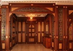 эксклюзивные деревянные двери и перегородки с витражами на заказ