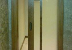 раздвижная дверь из массива