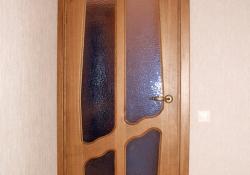 дверь из массива межкомнатная со стеклом