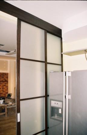 раздвижная дверь на кухню