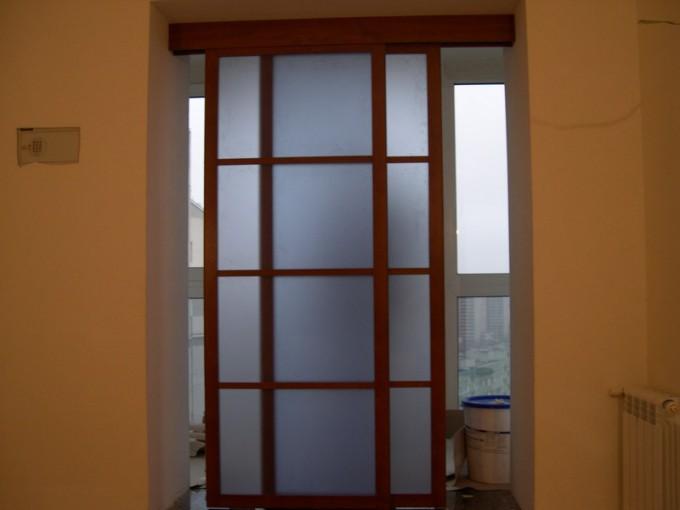 дверь-перегородка горизонтальная раздвижная на балкон