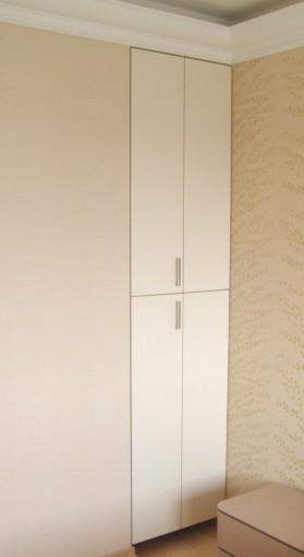 складная дверь для встроенного шкафа-пенала