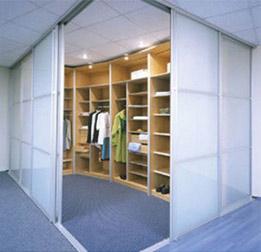 двери-купе и гардеробные системы