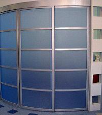 радиусная дверь в комнату