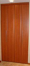 складные двери для шкафов