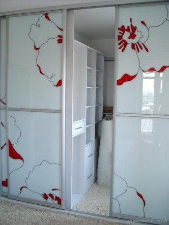 дизайн дверей для встроенного шкафа