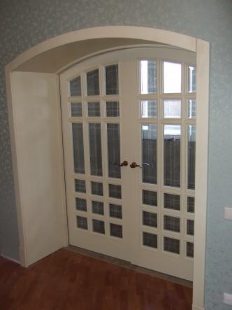 дверь на заказ массив дуба со стеклом купить в спб