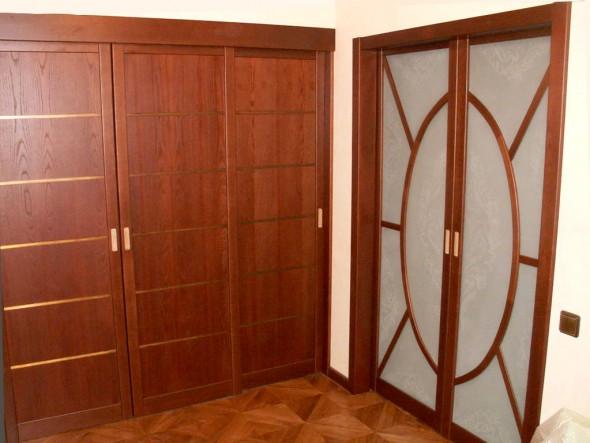 двери из массива на заказ в Петербурге