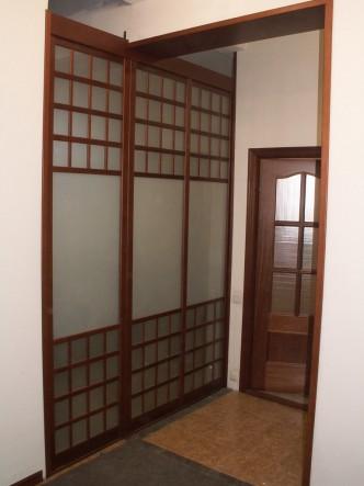деревянные двери из массива сосны на заказ в Петербурге