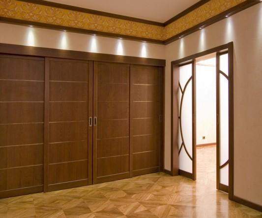 двери из массива сайт