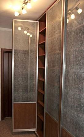 мебельная дверь алюминиевая распашная