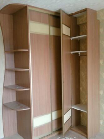 распашная дверь в профиле для шкафа