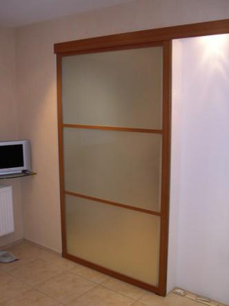 раздвижная дверь во встраиваемый шкаф