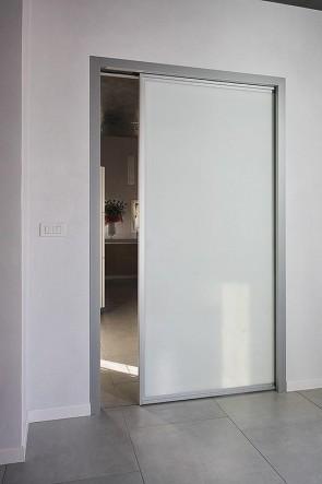 Раздвижная дверь в пенал стеклянная