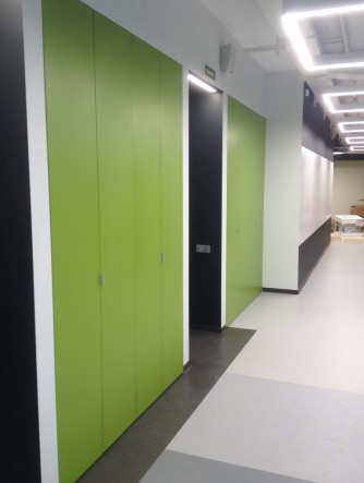 офисные складные двери цветные